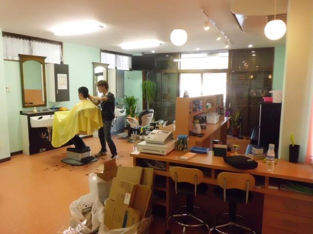 沖縄 リフォーム 理容室 内装改修