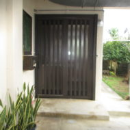 玄関ドア取替え工事(カバー工法)