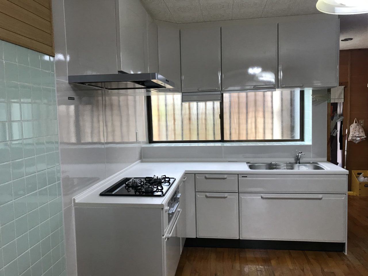 沖縄 リフォーム リノベーション L字型キッチンの取替えリフォーム