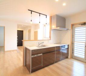 1階と2階のリノベーション(2階 二世帯住宅)