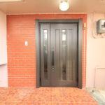 玄関ドアとトイレのリフォーム