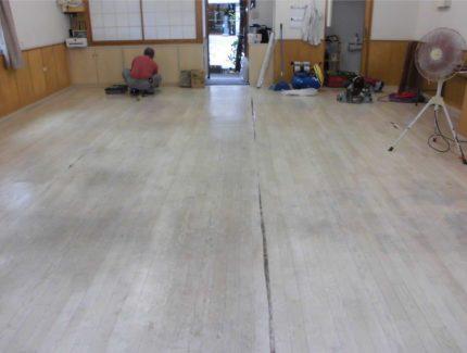 床の張替え Before