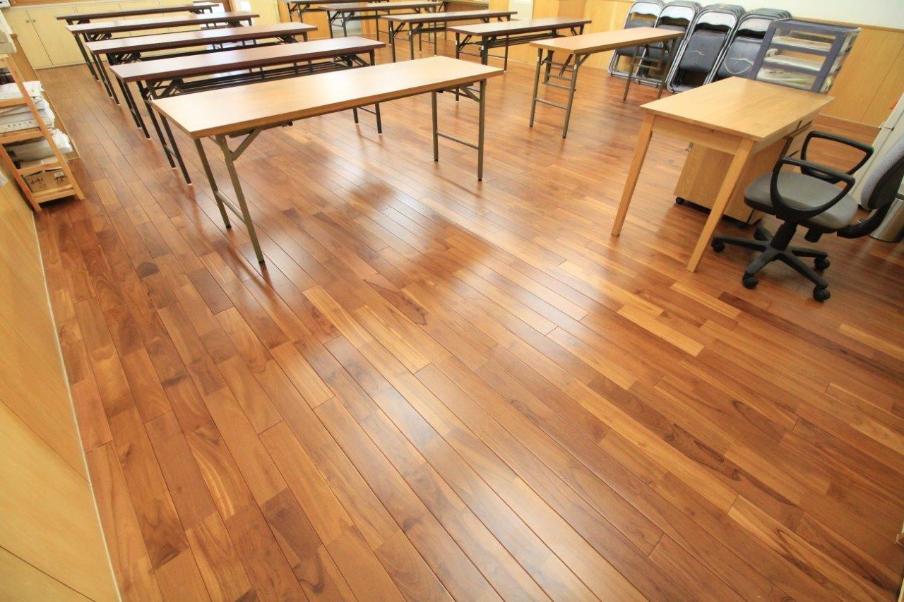 教室 床の張替え フローリング 沖縄 リフォーム
