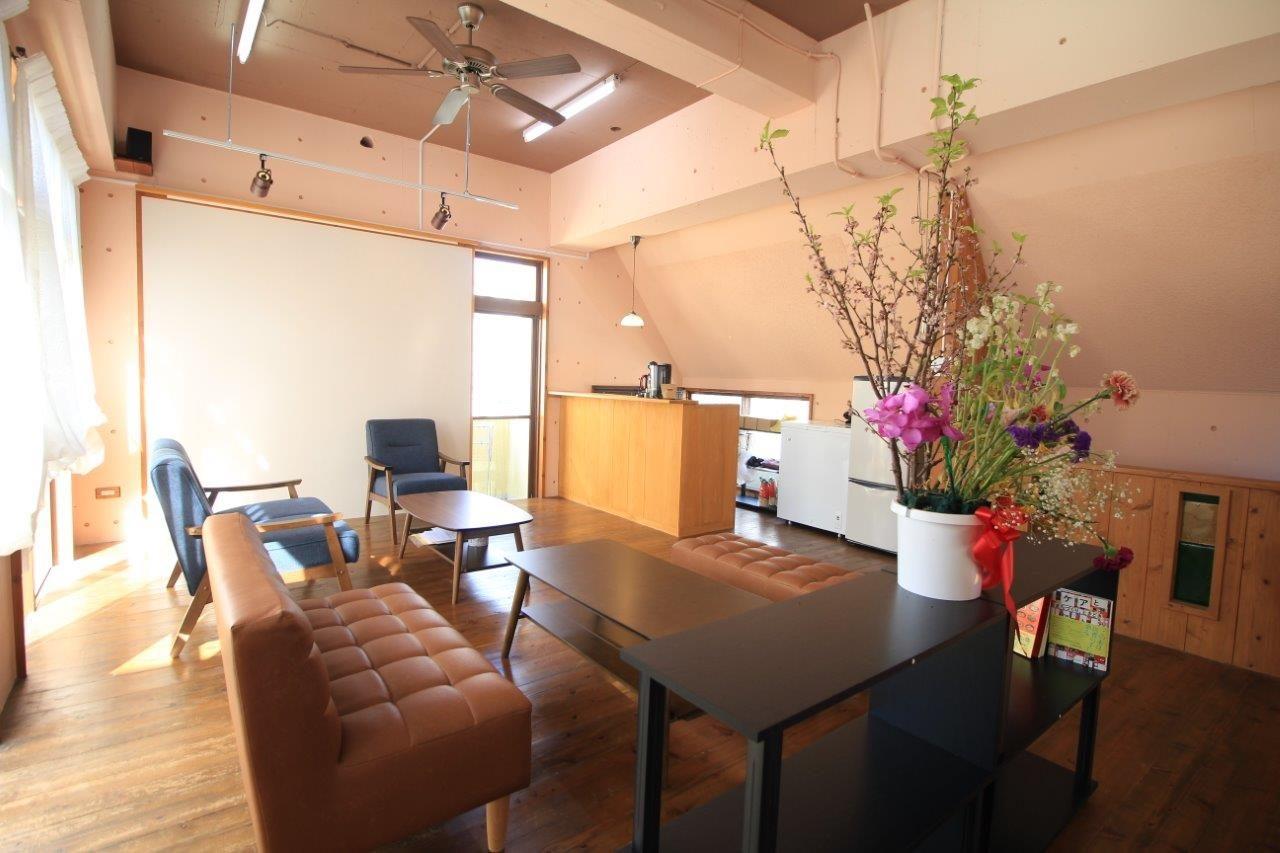 沖縄 リフォーム 店舗 改修 キッチン 窓 ドア 目隠しフェンス 塗装