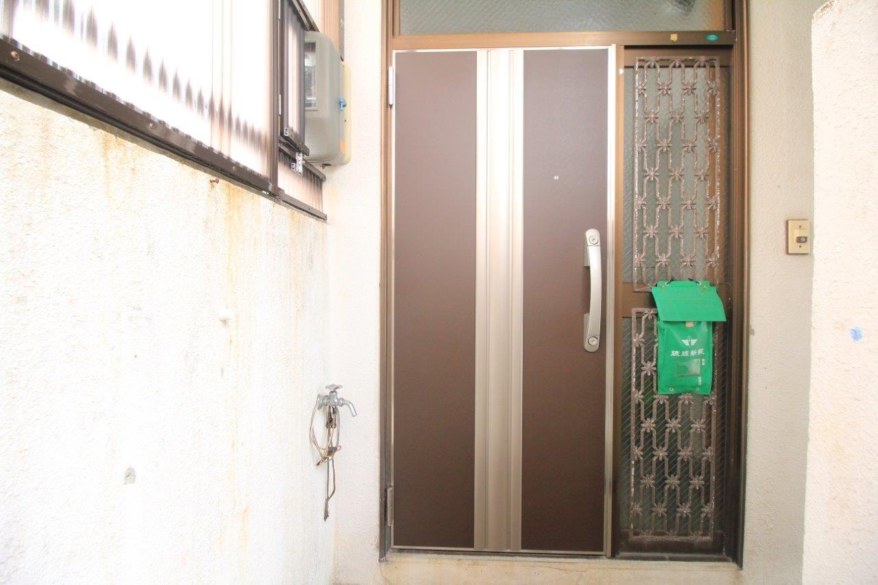 玄関ドア取替え 沖縄 リフォーム