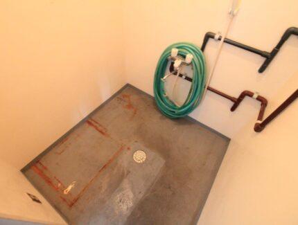 Before シャワー室をトイレにリフォーム