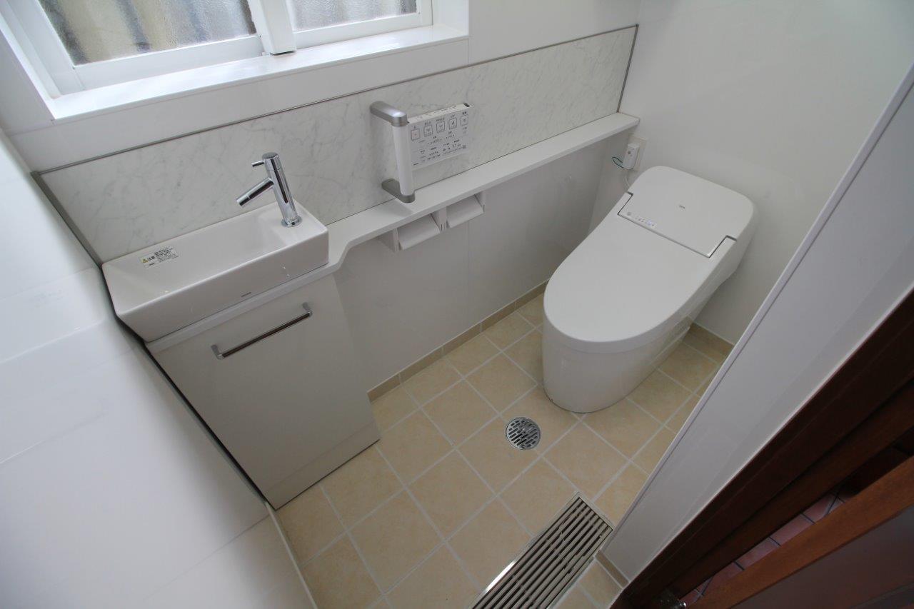 トイレ 便器 カウンター 手洗器 キャビネット 沖縄 リフォーム
