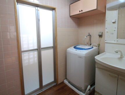 After 浴室と脱衣所の仕切り壁