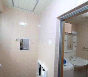 浴室と脱衣所の仕切り壁