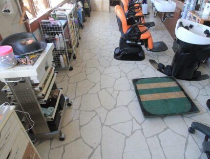 Before 店舗 床の張替えリフォーム