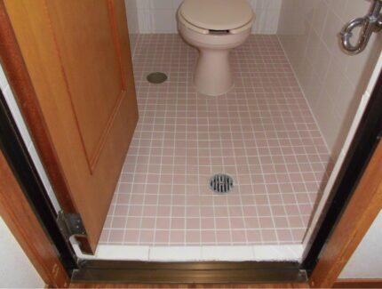 Before トイレ 床のリフォーム
